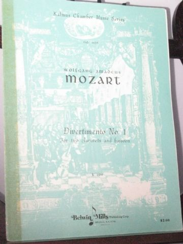 Mozart W A - Divertimento No 1 K229/1 for 2 Clarinets & Bassoon